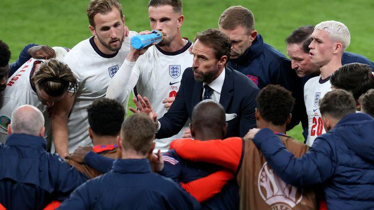 อังกฤษ จะสามารถเอาชนะอิตาลีเพื่อครองตำแหน่งแชมป์ยุโรปได้หรือไม่
